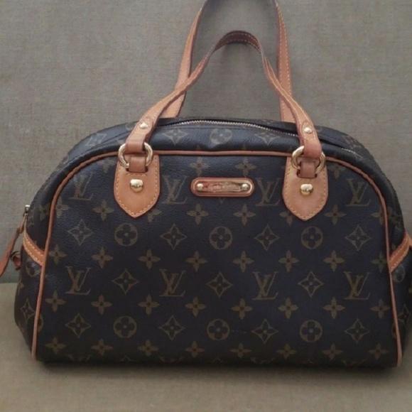 d56dc5c129f1 Louis Vuitton Handbags - Authentic Louis Vuitton Montorgueil PM